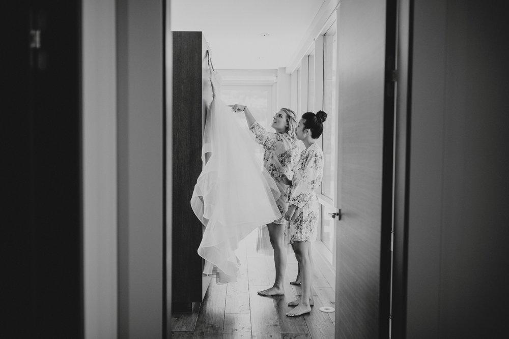 danaea_li_photography_Rosanna_Mark_Wedding_Sky_Hangar_0008.jpg
