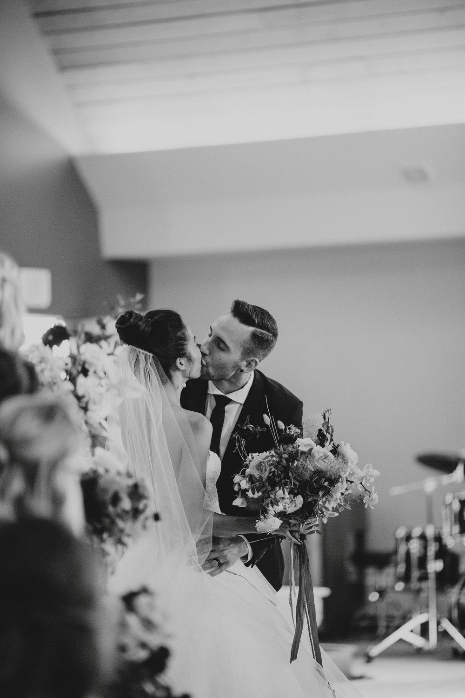 danaea_li_photography_Rosanna_Mark_Wedding_Sky_Hangar_0058.jpg