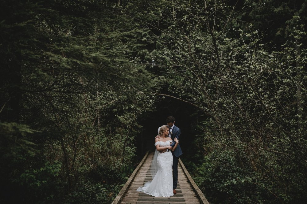 39_Jessica_Erik_Wedding-Preview-14.jpg