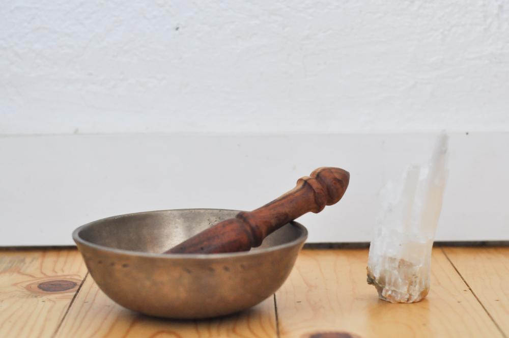 free-and-native-singing-bowl-crystal