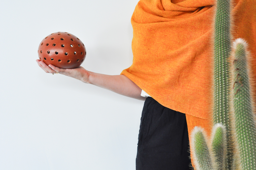 to-be-magnetic-shawl-ball-cactus