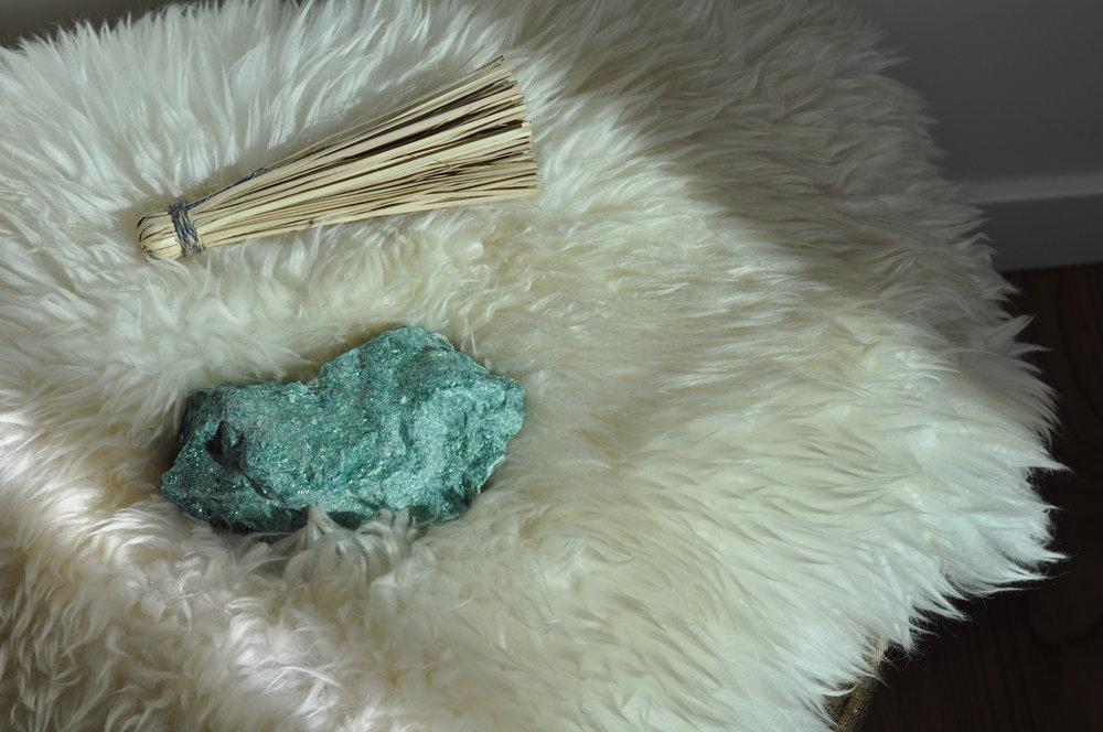 free-and-native-crystal-rug