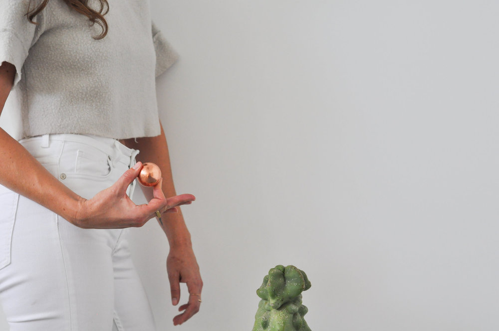 free-and-native-crop_top_cactus_copper_ball_white_jeans_rings
