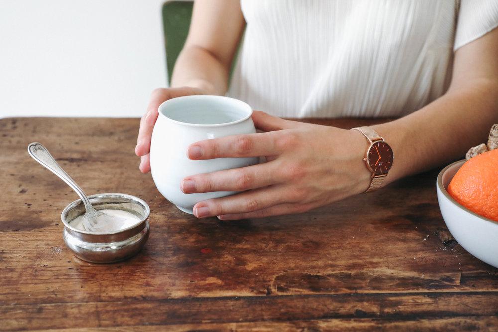 free-and-native-lila-mug-hand-spring