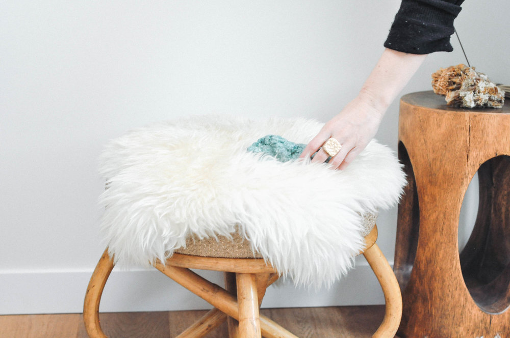 to-be-magnetic-lacy-hand-stone-rug