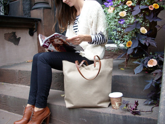 This is an example of a tote bag you can win from Janine's shop,   Independent Reign  .