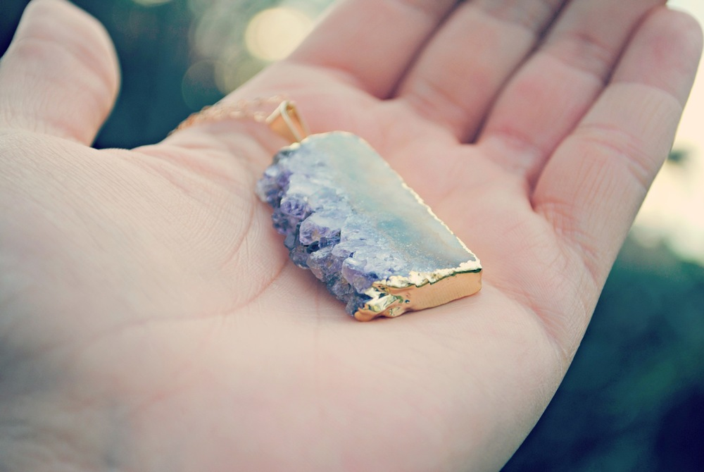 amethyst slice necklace rimmed with gold plating