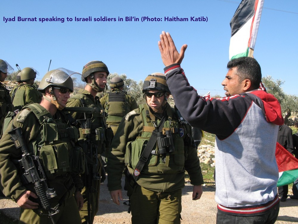IMG_1157_Fig-3_Iyad-Burnat-speaking-to-IDF-soldiers-in-Bil'in_photo-credit-Haitham-Katib-580x435-@2x.jpg