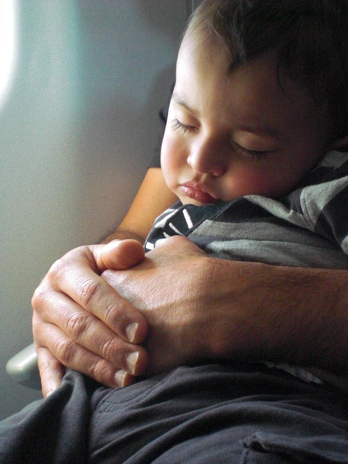 Elian sleeps on first flight