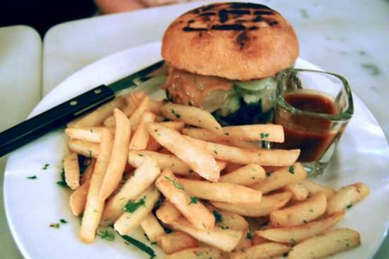 Cheeseburger at Fish and Farm