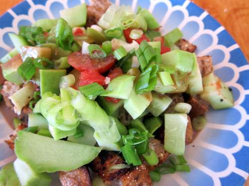 Ensalada de Chayote con Jitomate y Ajo Asado: Chayote Salad with Tomato and Roasted Garlic Dressing