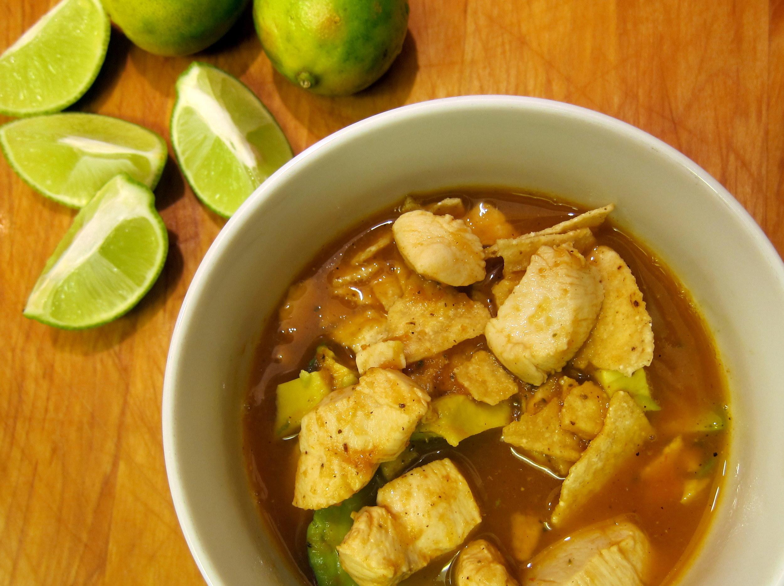 Sopa de Tortilla: Tortilla Soup