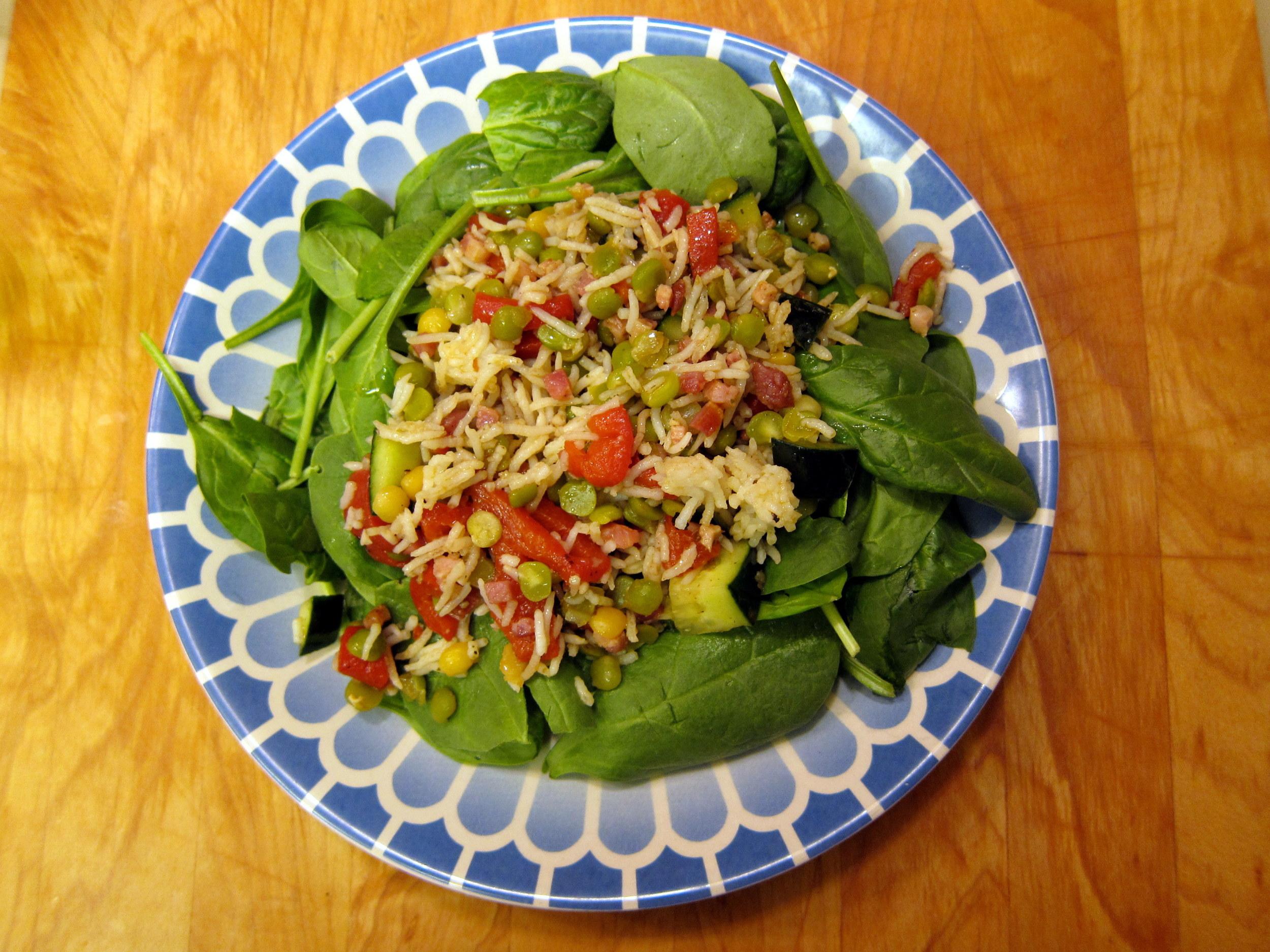 Ensalada de Lentejas y Arroz con Jamon, Pepino, Cebolla Morada y Hierbas: Lentil-Rice Salad with Ham, Cucumber, Red Onion and Herb