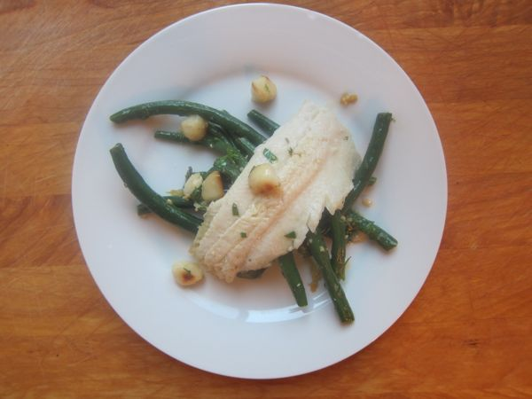 Trucha con Macadamias, Chile Serrano y Ejotes: Trout with Macadamias, Serrano and Green Beans