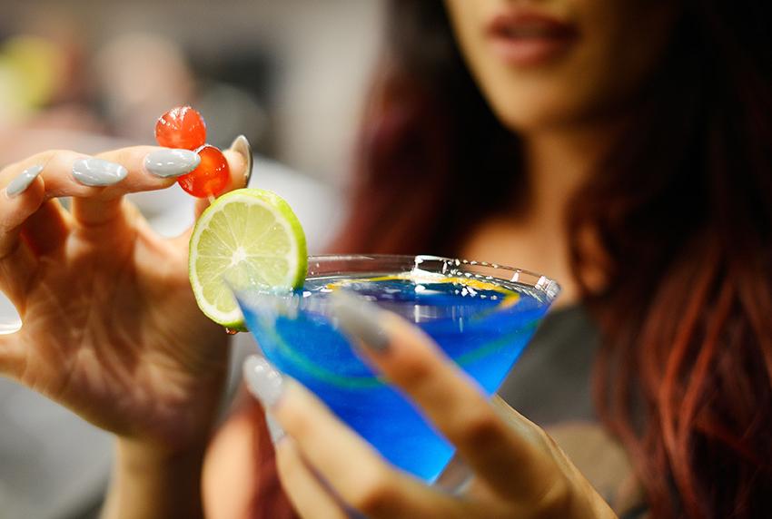 14. Bar Lounge Cocktail.jpg