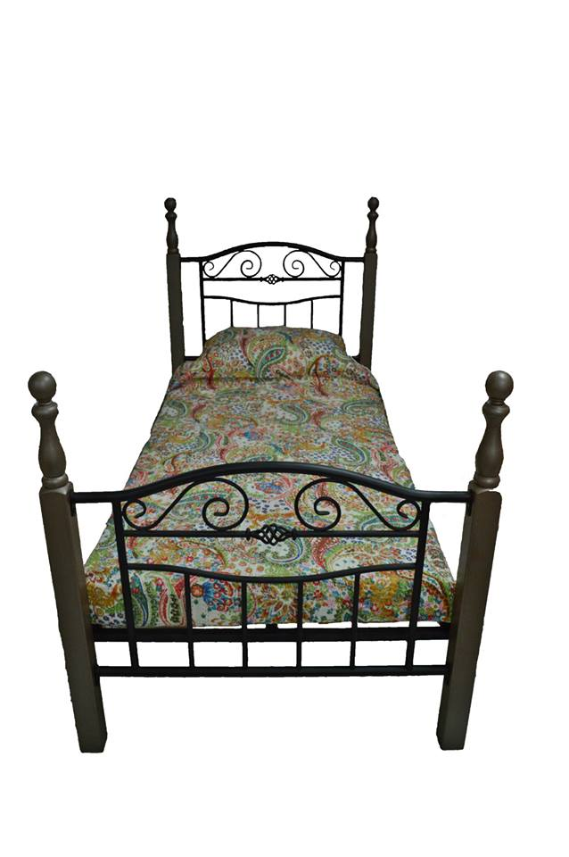 "€160 ""Naomi"" bed 3"" Rustic finish"