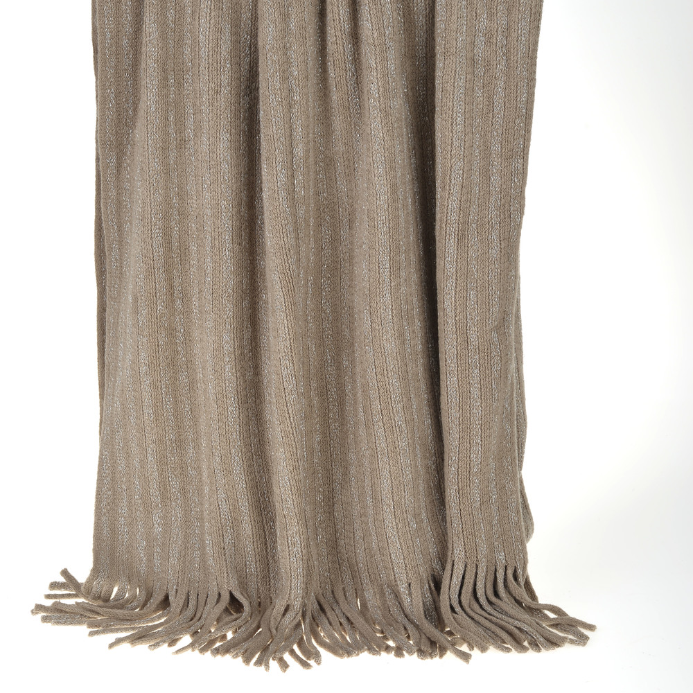 €50 KNITTED THROW IN BROWN COLOR WITH FRINGES 130X150