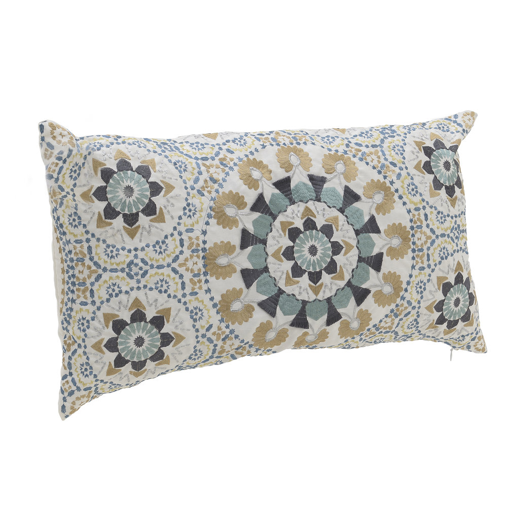 €26 FABRIC CUSHION COVER 'ETHNIC' IN WHITE-BLUE COLOR 36X61