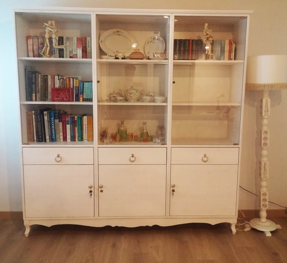 Vintage Style Glass Cabinet - Unique & Custom-made Designs