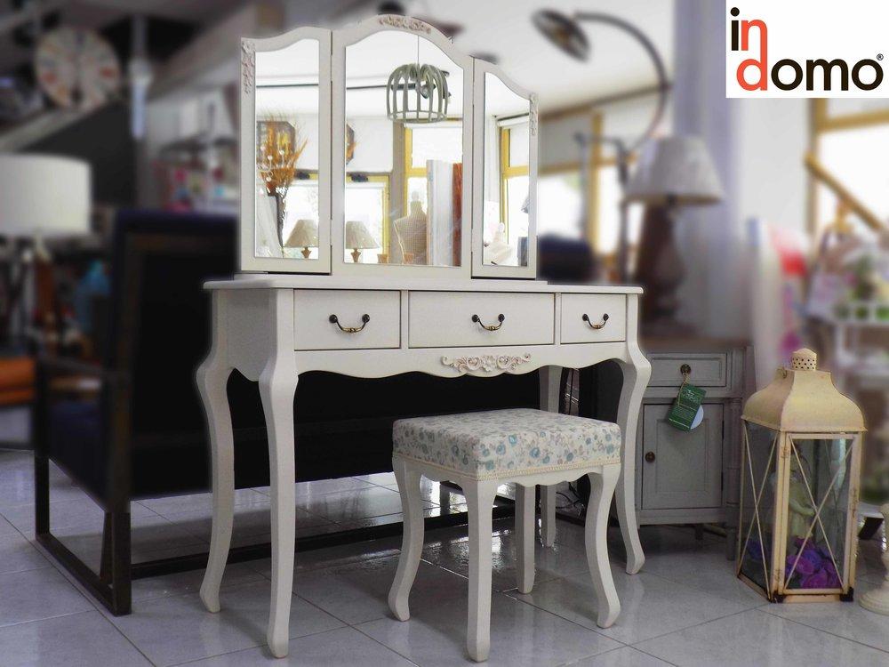 dresser vintage colnsole.jpg