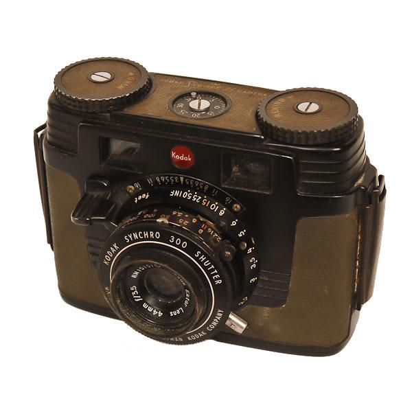 Kodak Signet 35 KE-7   1951-1962 A closeup view of the front of the Signal Corps Model KE-7.