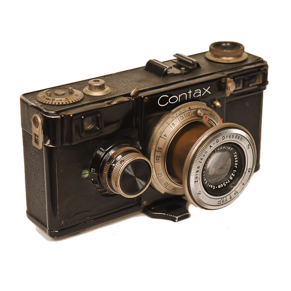 Zeiss Ikon Contax 1E   1932. Top quality rangefinder 35mm camera. The camera line was made from 1932 til 1961 with a stop from 1944-1952.