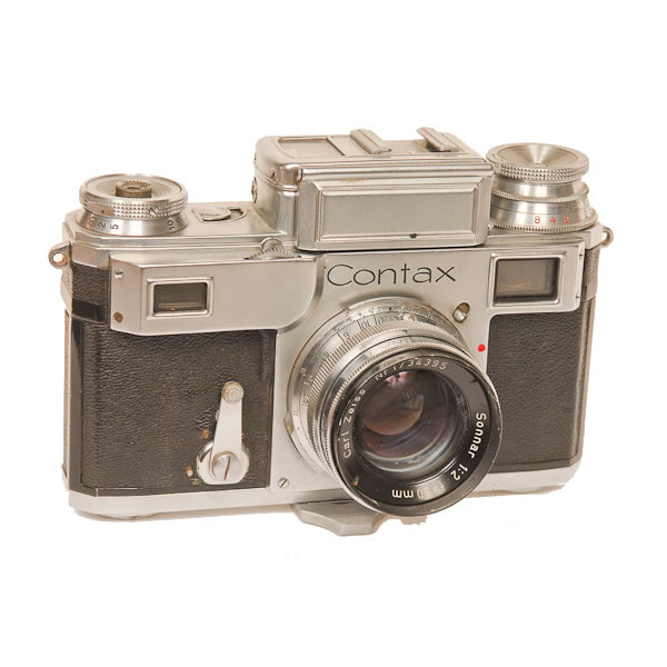 Zeiss Ikon Contax 3A   1936-1942. Top quality rangefinder 35mm camera. The camera line was made from 1932 til 1961 with a stop from 1944-1952.