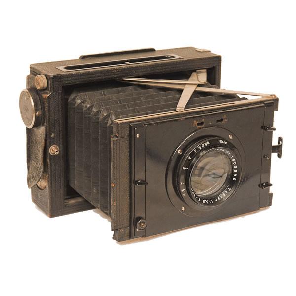 Zeiss Ikon Nettel 870   1927-1937. Focal plane press camera. 10cm x 15 cm film.