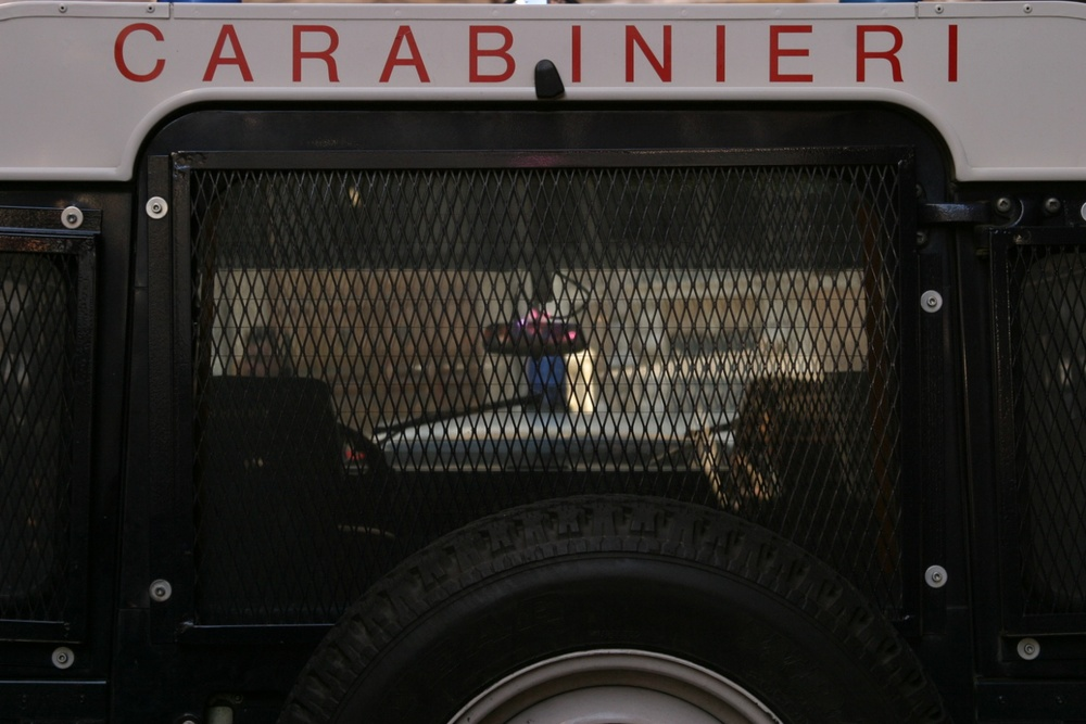 Carabinieri Rome 01/2004   © photo by AJ Weissbard