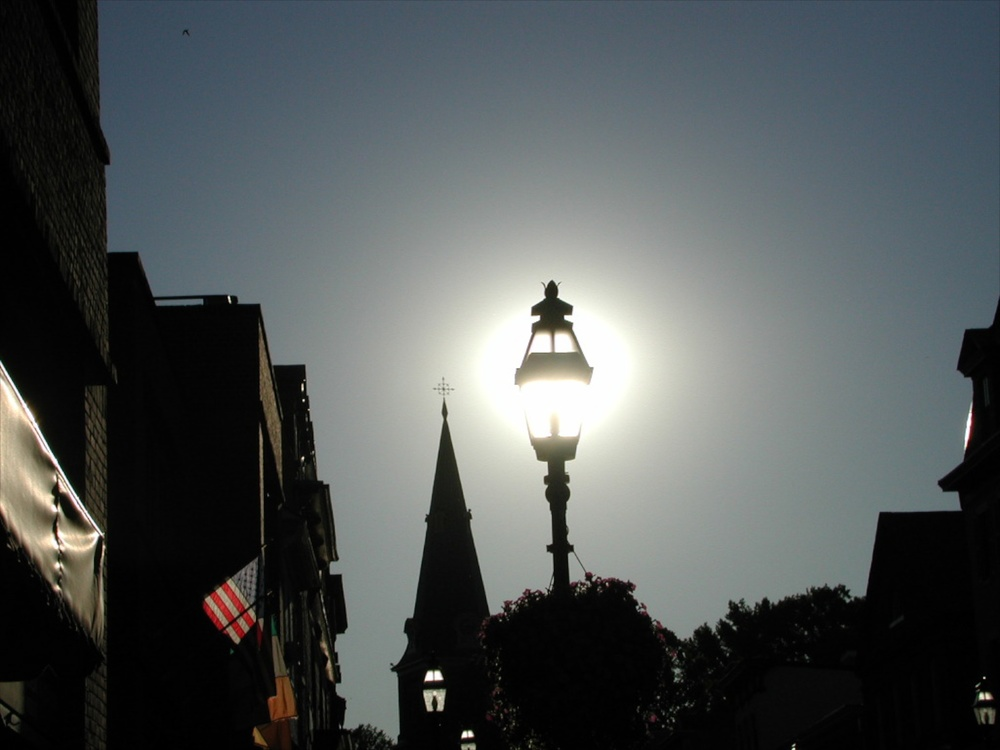 Lamppost Annapolis 07/2001   © photo by AJ Weissbard