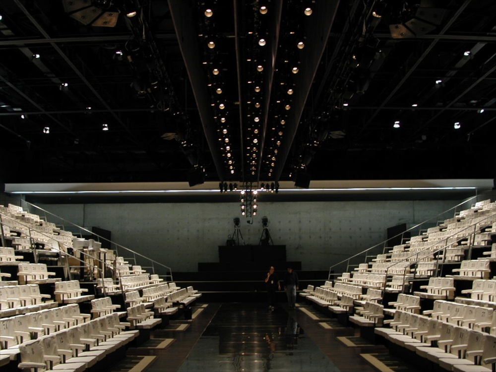 Armani Teatro Giorgio Armani Theater, Milan, 2001 © photo by AJ Weissbard