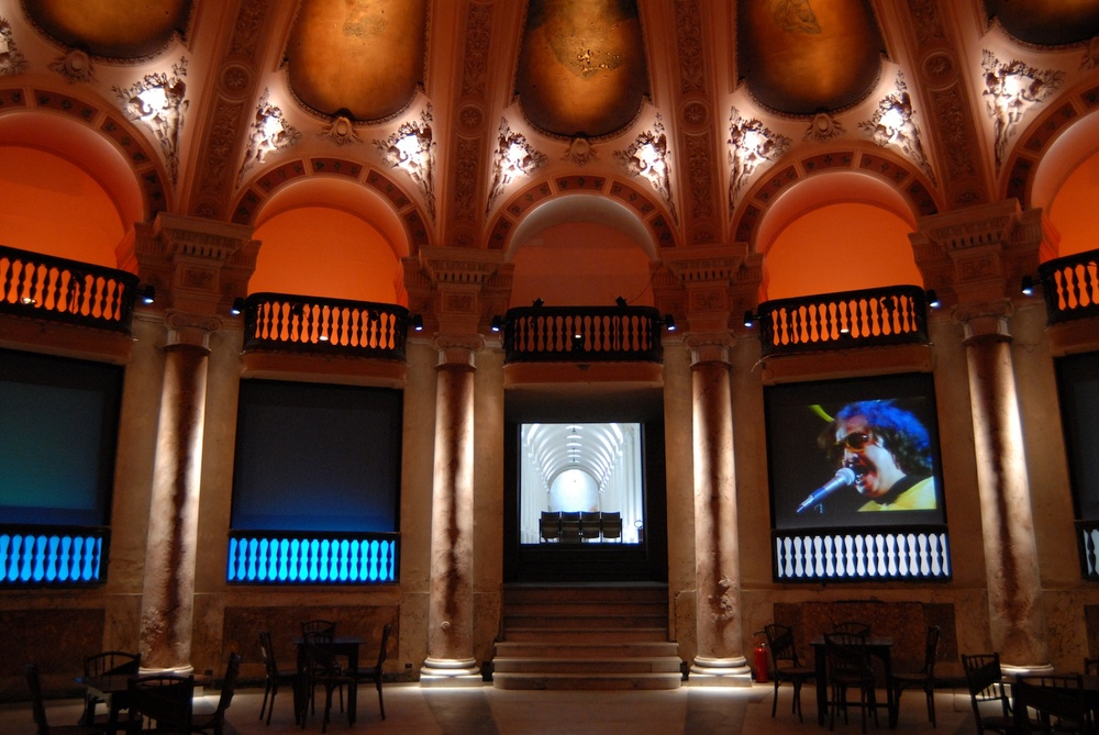 Cinema: Atlas of the Imagination Salone Margherita, Galleria Umberto I, Naples, 2006   (photo courtesy of Telecom Italia)