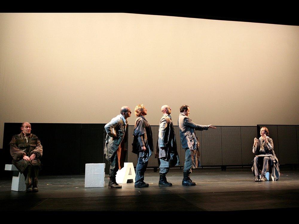 Sogno di una Nozze di Mezz'Estate (A Midsummer Night's Dream) Teatro Giorgio Strehler,Piccolo Teatro, Milan, 2008 (photo courtesy of Piccolo Teatro di Milano)