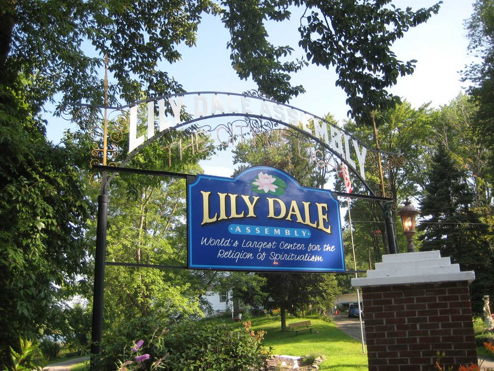 lily dale gate sign.jpg