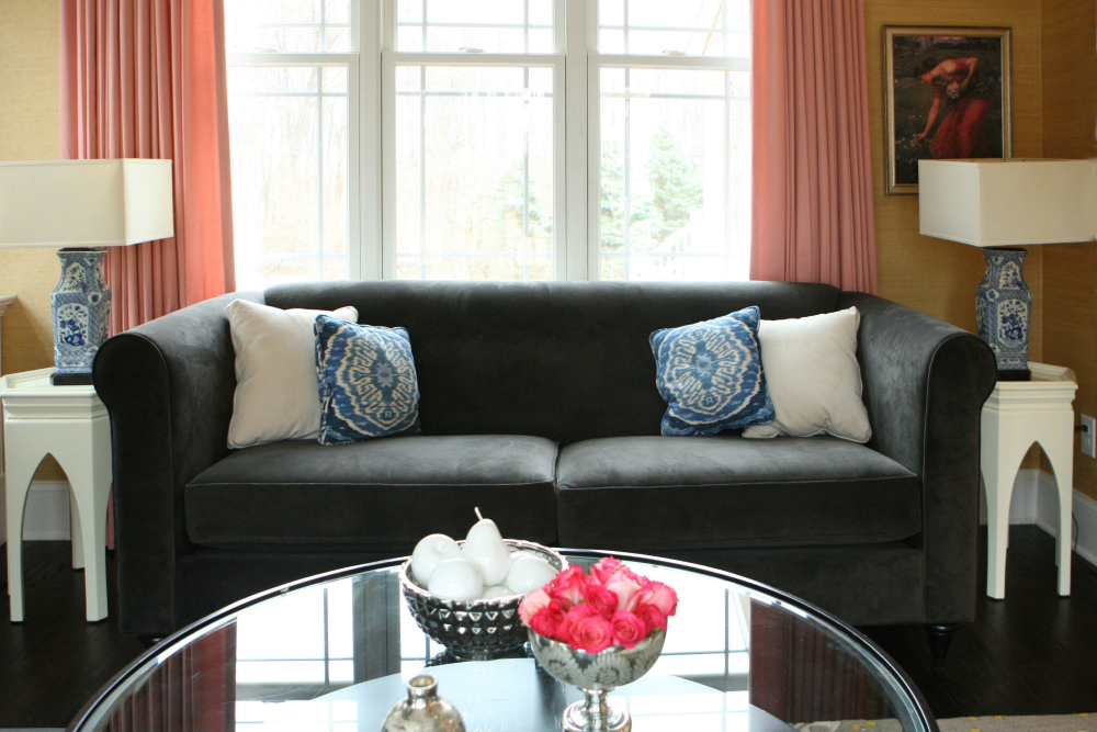 contemporary sitting room decor paoli.jpg