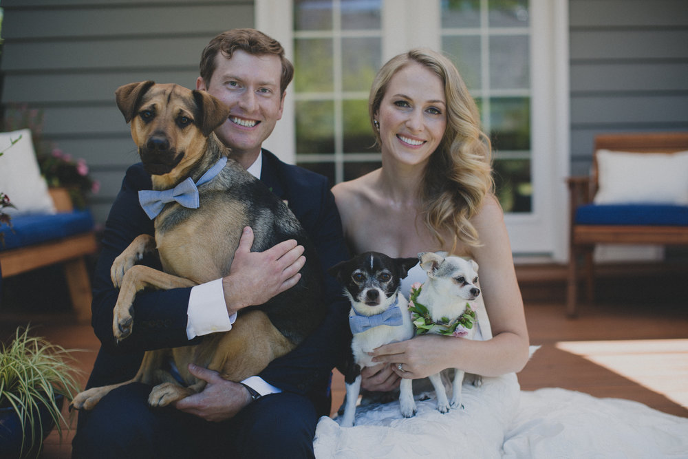 Garden_wedding_portland_flowers_dogs.jpg