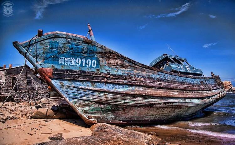 Camera: Canon 50D Chinese ship junk yard, Summer 2009