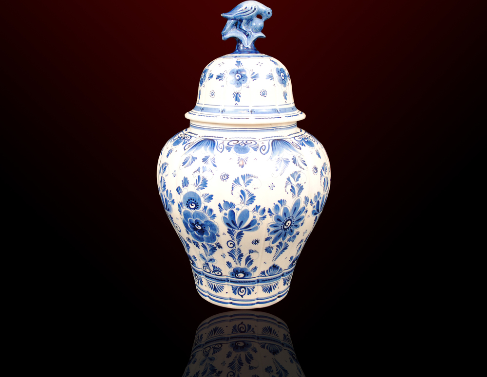 Dutch Delft Blaum Vase With Lid Pollitt Euro Antiques