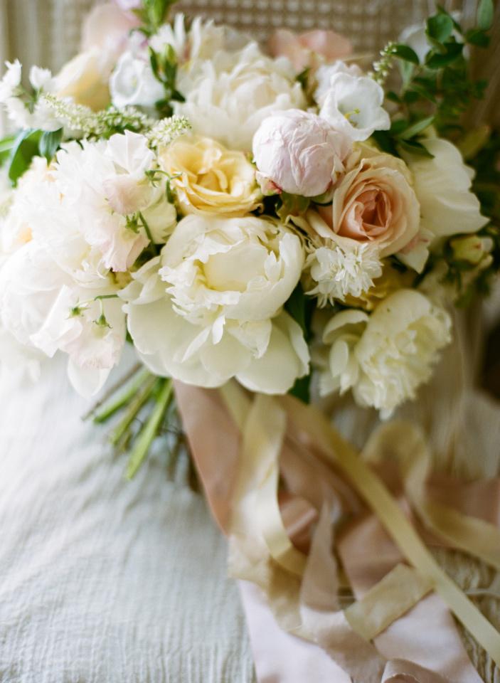 Mallory Joyce peony bouquet