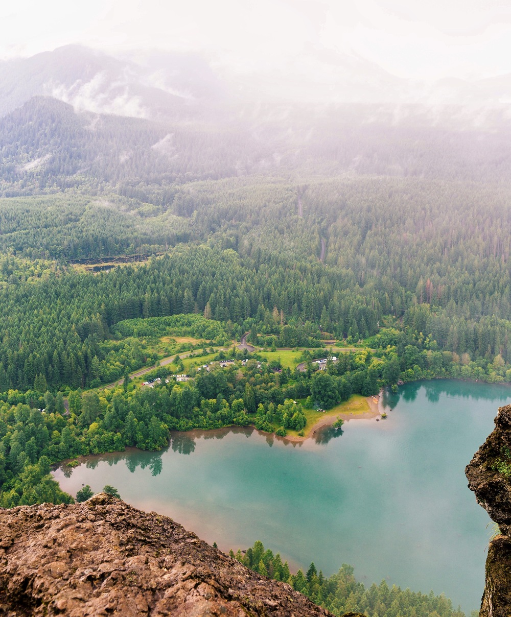The view from Rattlesnake Ledge hike outside of Seattle