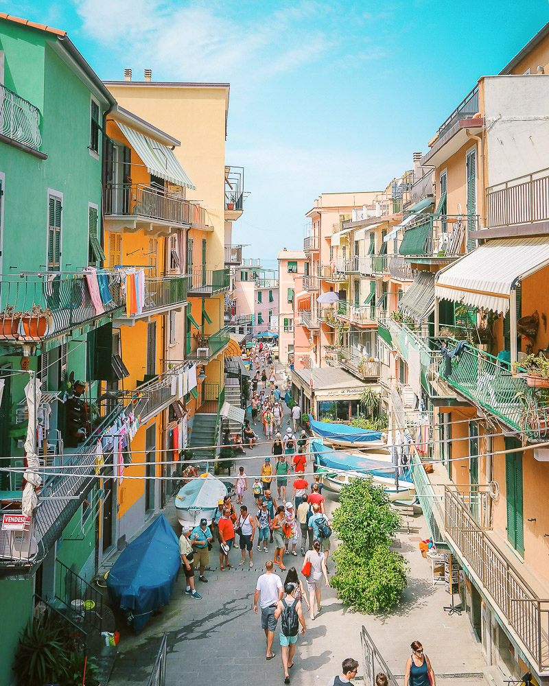 How to get around in Cinque Terre - by foot, by train, or by ferry