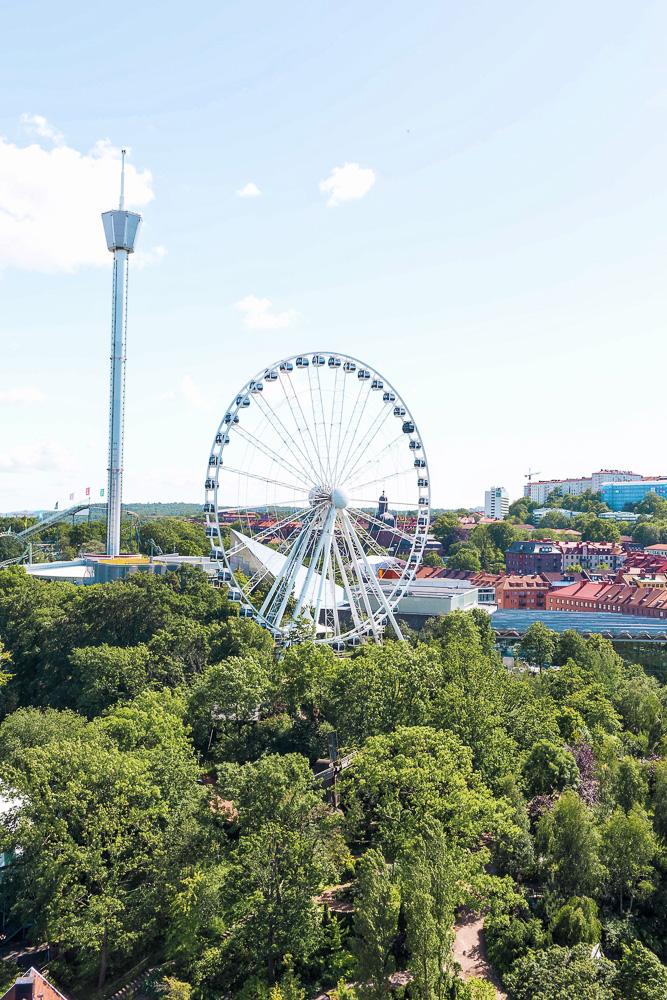 Gothenburg's Liseberg Amusement Park - Scandinavia's largest amusement park!Free with yourGöteborg City Card