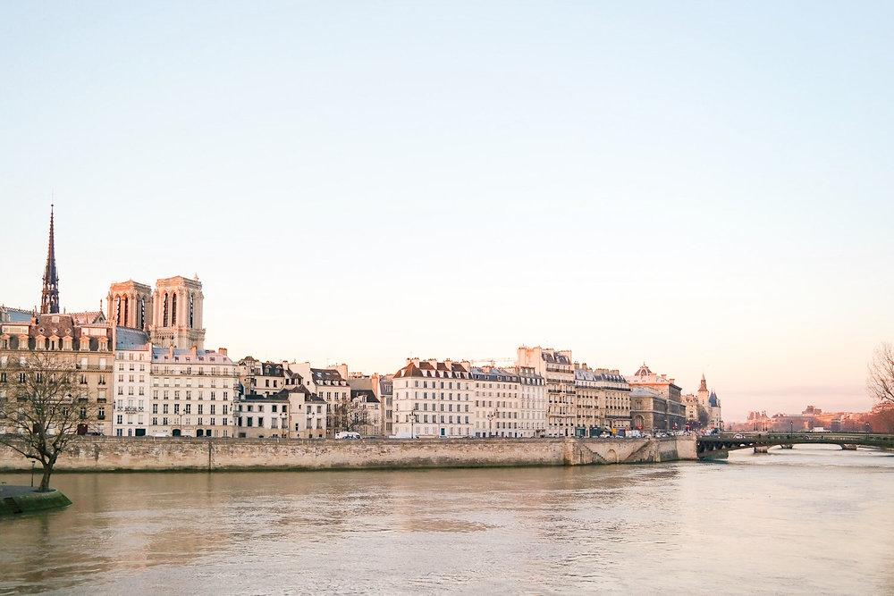 Sunrise over the Seine