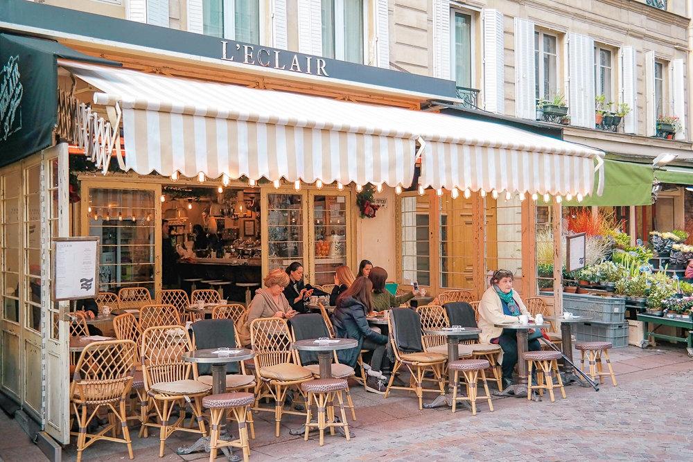 L'Eclair cocktail bar in Paris