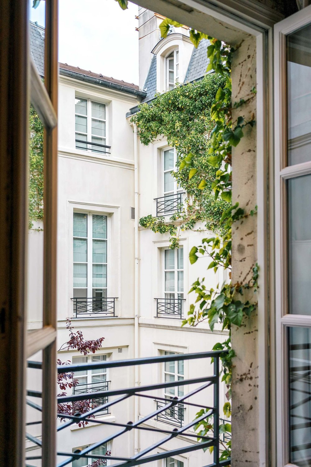 Where to stay in Paris: le Pavillon de la Reine in le Marais