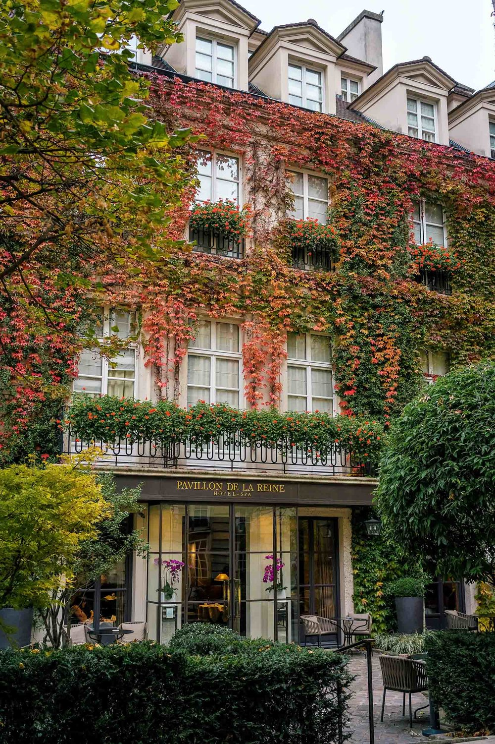 Le Pavillon de la Reine: the best hotel in Paris