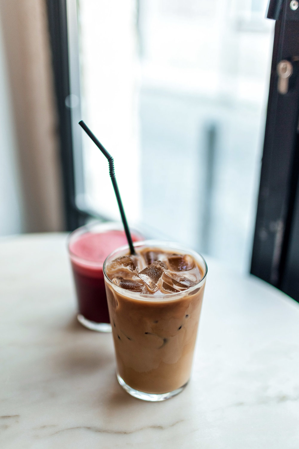 Dear Breakfast offers all day breakfast, featuring egg-centric dishes, delicious coffee, tea, and fresh juices and smoothies