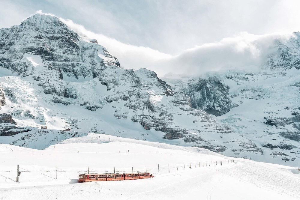 Mountainous views and the Bernese Oberland Railway from Kleine Schiedegg