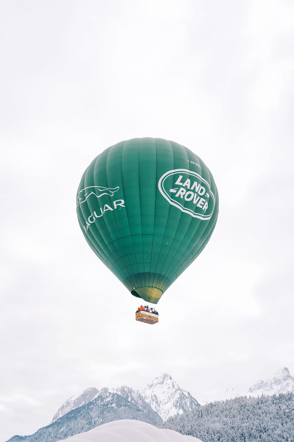 A Land Rover balloon at the International Hot Air Balloon Festival