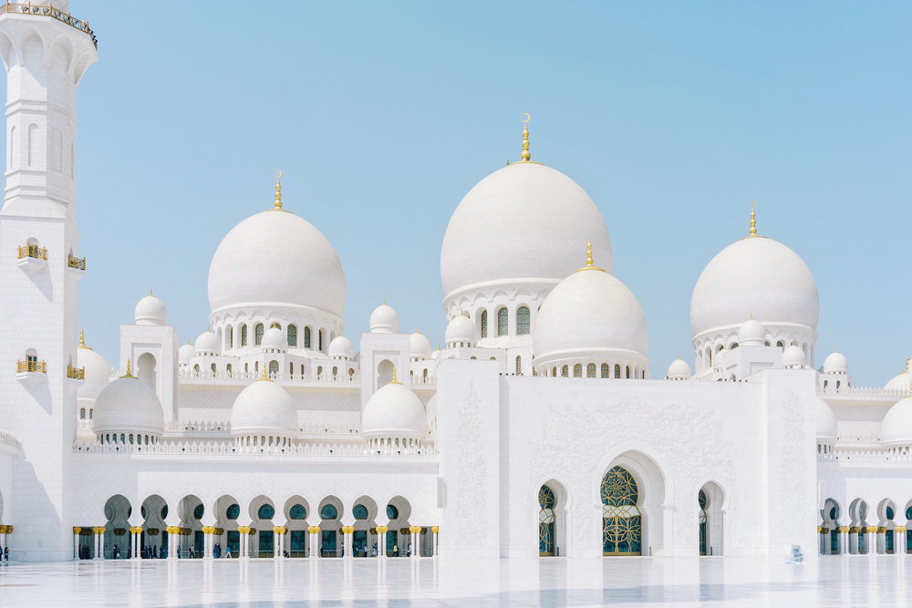 If you have plans to visit Dubai, do not miss The Sheikh Zayed Grand Mosque